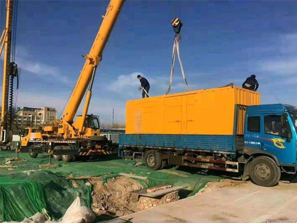 聊城万科工程建设租赁一台大型静音发电机组